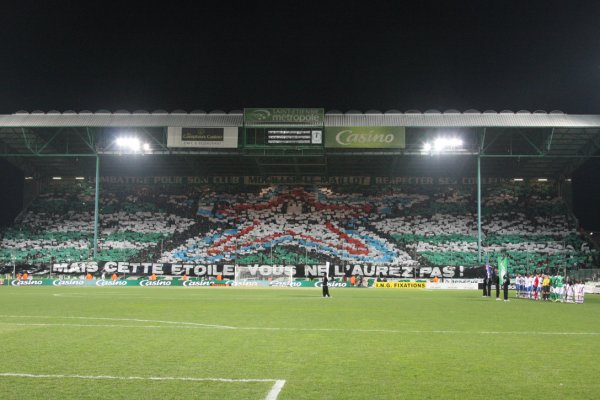 "Second part of the ""tifo"" performed by the Green Angels during the local derby (2011/2012 season), highlighting the fact that AS Saint-Étienne had a better league position than arch-rivals Olympique Lyonnais (photo © Green Angels)"